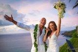 12 Tahun Berhubungan, Dwayne Johnson resmi nikahi Lauren Hashian