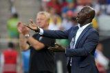 Nigeria terkejut FIFA hukum skorsing seumur hidup mantan pelatihnya