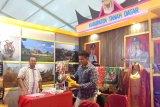 Songket Pandai Sikek dari Kabupaten Tanah Datar dipamerkan di Padang Fair