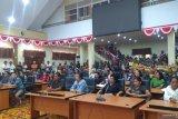 Pedagang pasar Bahu demo DPRD tolak relokasi ke Malalayang