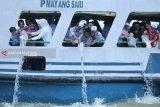 Pemkot Palembang  tebar 10.000 benih ikan ke Sungai Musi