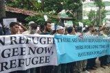 Imigran berunjuk rasa di Medan, protes ke UNHCR