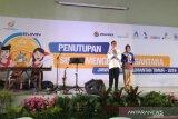 Dua pelajar asal Provinsi Kalimantan Timur yang menjadi peserta Siswa Mengenai Nusantara (SMN) 2019 dalam rangka BUMN Hadir untuk Negeri (BHUN) 2019 di Jawa Barat tengah menyampaikan kesan dan pesannya pada saat penutupan kegiatan yang telah terselenggara selama kurang lebih 10 hari di Jabar.