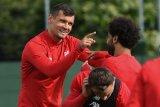 Leverkusen berminat pinjam bek Liverpool Lovren