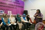 WCC Palembang imbau perempuan  selektif berteman di medsos