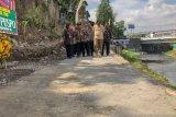 Diberikan warga Pariaman untuk jalan tepi sungai bagi wisata waterfront city