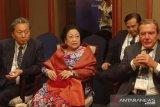 Megawati-mantan pemimpin dunia berbincang soal pemindahan ibu kota