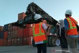 Pelindo IV Kendari bongkar muat 9000 kontainer per bulan