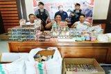 Polisi menggagalkan peredaran ribuan  obat kuat