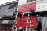 Indekos berukuran 2x1 meter di Jakarta disegel