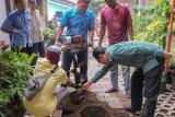 Yogyakarta membersihkan SPAH atasi genangan musim hujan