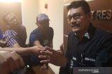 Meninggalkan tugas, 4 polisi mengamuk di tempat karaoke