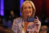 JK Rowling terbitkan dongeng untuk dibaca anak-anak saat penguncian