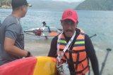 Pecinta olahraga paddle board eksplorasi Pantai Trenggalek Jatim