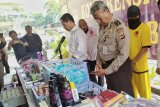 Polisi sita Ratusan ribu kosmetik kedaluwarsa