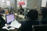 Dua penyiar radio di Wonosobo siaran 26 jam nonstop