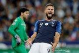 Deschamps desak Olivier Giroud tuntaskan persoalan pribadinya demi timnas