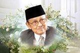Habibie Wafat - Indonesia kibarkan bendera setengah tiang