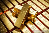 Harga emas terangkat pelemahan dolar
