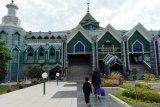 Almarkaz Al Islami gelar shalat ghaib untuk Habibie usai shalat Jumat