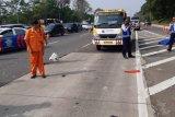 Tiga tewas kecelakaan Tol Jagorawi akibat pecah ban