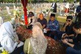 Adrie Subono: yang ngajarin saya baca Surat Yasin Pak Habibie