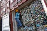 Industri harus hentikan impor sampah plastik