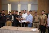 Warga Desa Pulai Gading dan PT BPP sepakat selesaikan  konflik lahan