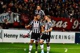 Heracles meruntuhkan harapan Twente naik ke puncak