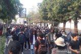 Massa aksi #GejayanMemanggil Yogyakarta bubar dengan damai