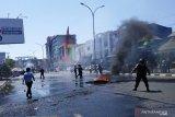 Mahasiswa Makassar bentrok dengan aparat