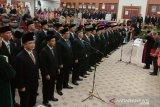 Sebanyak 45 anggota DPRD Provinsi Kepulauan Bangka Belitung masa jabatan 2019-2024 resmi dilantik serta diambil sumpah dan janjinya oleh Hakim Pengadilan Tinggi, Cornel Sianturi.