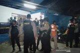 Polisi geledah rumah kontrakan perakit bom di Cimahi