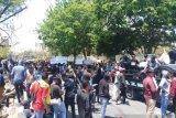 Mahasiswa di Kupang gelar unjuk rasa damai