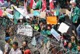 Aksi demonstrasi sedot perhatian warganet di Twitter