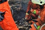 Kebakaran di Cakung, seorang nenek  tewas dalam kamar