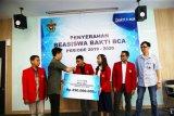 BCA salurkan beasiswa Rp250 juta ke mahasiswa Unhas