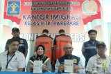 Imigrasi Kelas II Parepare Deportasi WNA asal Iran