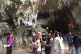 Disporapar ajak belasan mahasiswa mancanegara berwisata di Jateng selatan