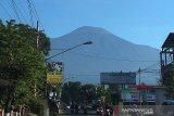 Kegempaan fluktuatif, Gunung Slamet masih berstatus waspada
