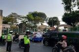 Jelang pelantikan DPR, situasi Jalan Gelora padat dengan kendaraan tamu