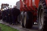 Ribuan petani Belanda demo, penuhi jalan dengan traktor