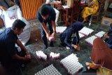 Ribuan botol produk kecantikan 'RD Pelangsing' di amankan petugas