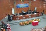 Delapan fraksi minta maaf kepada Ketua DPRD Kolaka