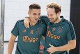 Ajax dan PSV bersaing ketat