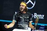 Tsitsipas singkirkan Djokovic di perempat final Shanghai Masters