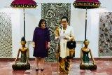 KBRI pamerkan koleksi batik tulis lawas ke warga Albania