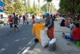 Pemkot Mataram siapkan tong sampah di Jalan Udayana