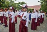 Anak-anak pencari suaka juga ikut upacara bendera di Pekanbaru