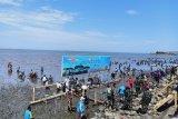 750 prajurit TNI-AL tanam ribuan bibit mangrove di Pelabuhan Untia Makassar